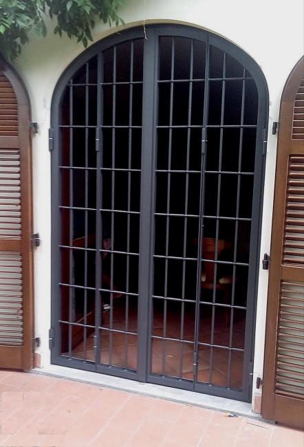 Grate di sicurezza di raffinata qualit ed estetica ferport monza milano - Griglie per finestre ...