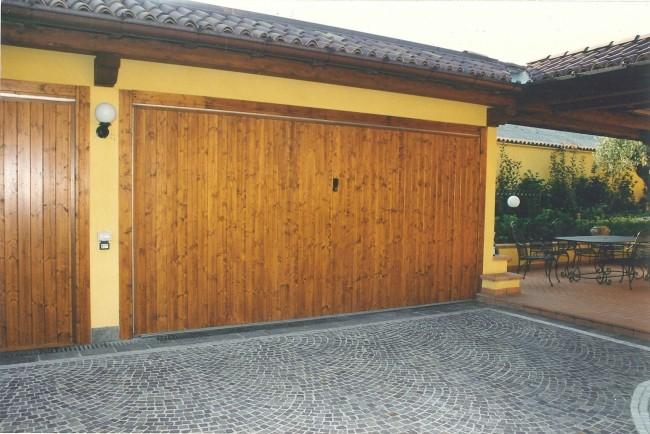 Porte box basculanti anche automatiche per box e garage for Ferport monza